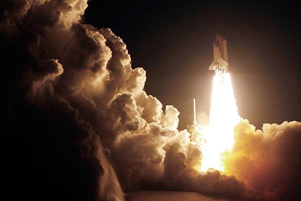 0208-endeavour-launch-nasa_full_600