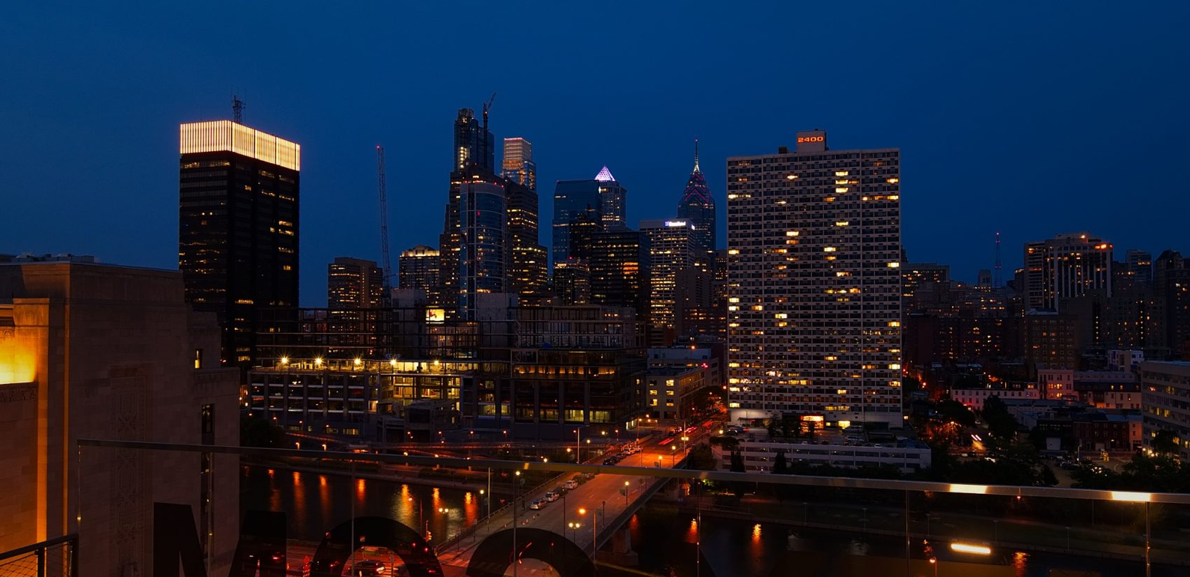 Evening settles over the city's skyline. (Bastiaan Slabbers for WHYY)