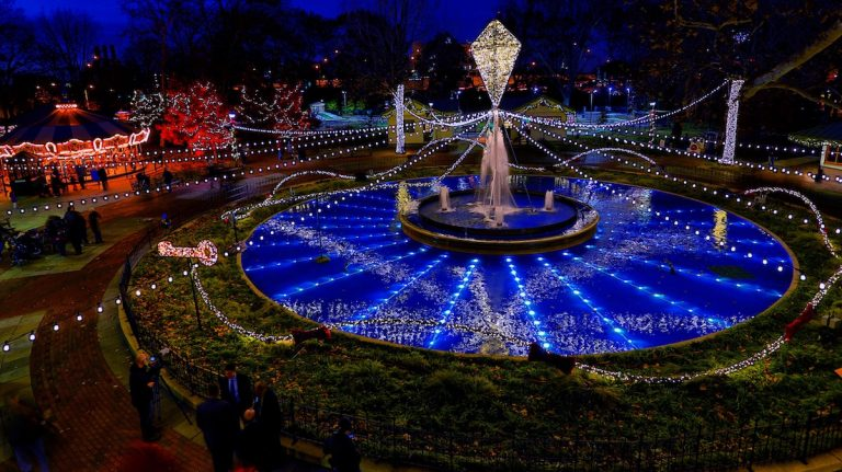 Check out the holiday light show at Franklin Square this weekend. (Courtesy of Jeff Fusco for Historic Philadelphia, Inc.)