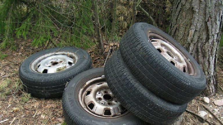 A proposed bill would require tires be recycled. (Courtesy of Wikimedia)