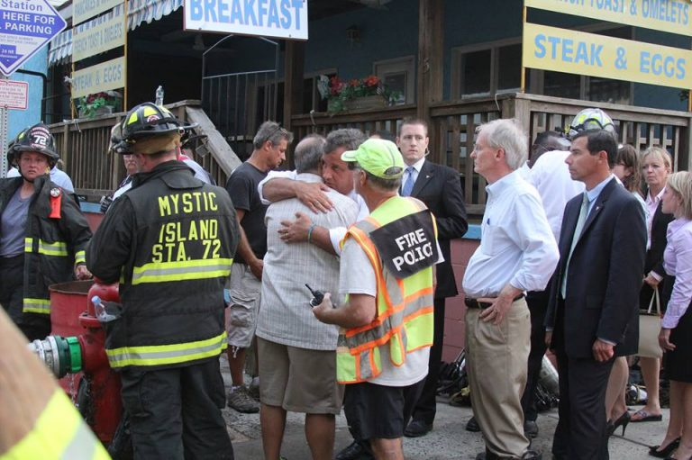 Governor Chris Christie comforts Seaside Heights Mayor Bill Akers at the scene of the fire Thursday. (Photo: Jersey Shore Hurricane News contributor Joe Verderosa)