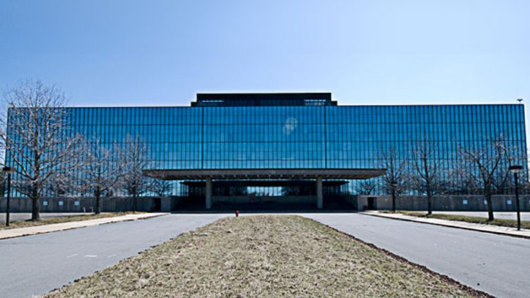 Today the Bell Labs Holmdel Complex is empty.