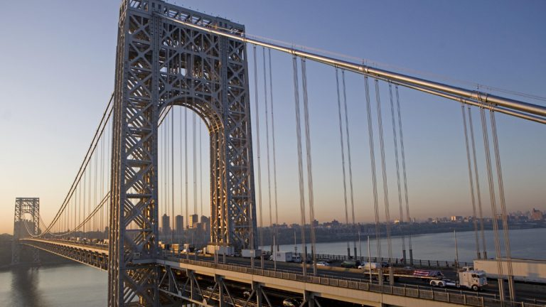 The George Washington Bridge connects New York City to Fort Lee, N.J. (AP Photo/David Goldman)