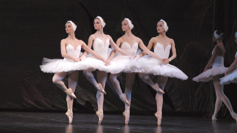 Russian National Ballet Theatre performing Swan Lake (Photo courtesy of Russian National Ballet Theatre)