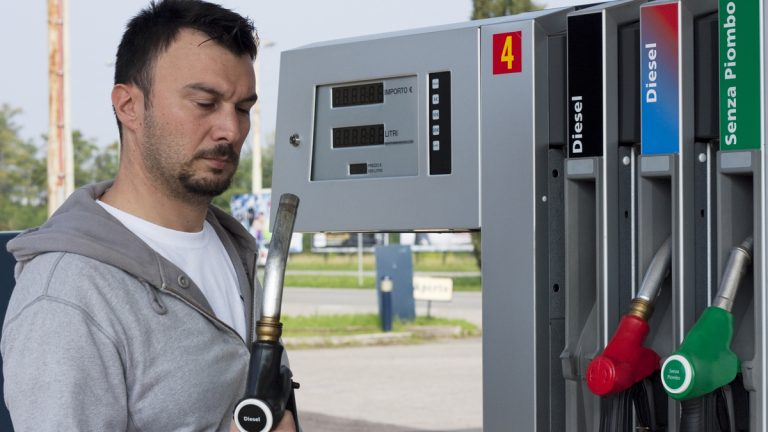 New Jersey drivers could be allowed to operate gas pumps.