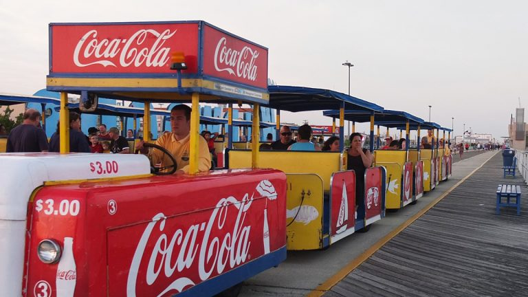 There's no excuse for getting run over by the Wildwood tram car. An audio warning repeats over and over. (Alan Tu/WHYY)