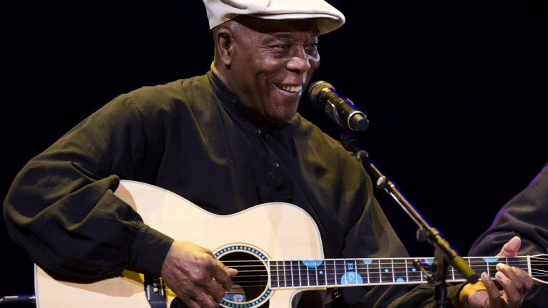 Buddy Guy performing in 2013 at Madison Square Garden. (Photo by Charles Sykes/Invision/AP)