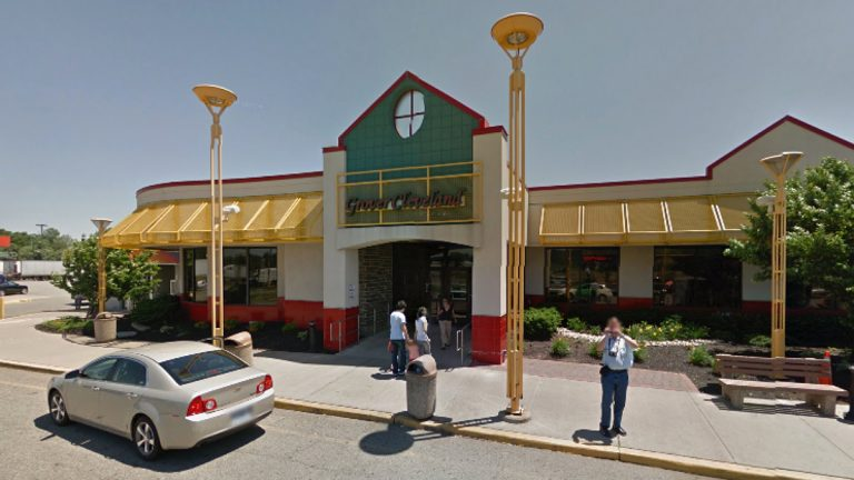 The Grover Cleveland stop is NB on the NJ Turnpike between interchanges 11 and 12. (Image via Google Streetview)