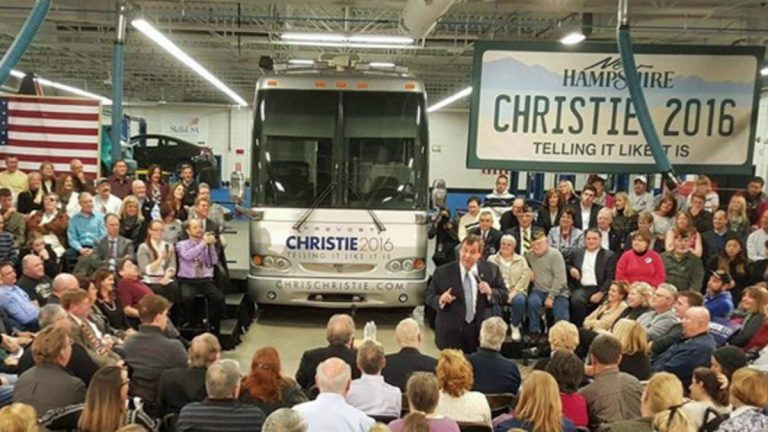 New Jersey Governor Chris Christie arrives in Nashua, New Hampshire, Feb. 1, 2016.(Chris Christie 2016 campaign )