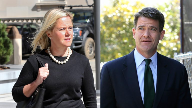 Bridget Anne Kelly (left) and Bill Baroni (right) arriving Wednesday at the Federal Courthouse in Newark