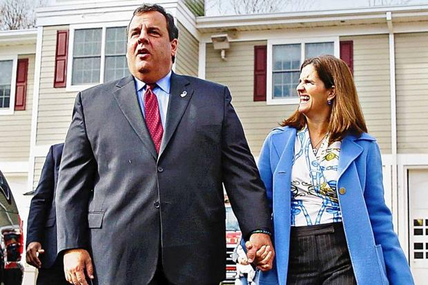 Chris Christie, the Republican governor of New Jersey, and his wife Mary Pat, an investment banker. (Photo: Mel Evans/AP)
