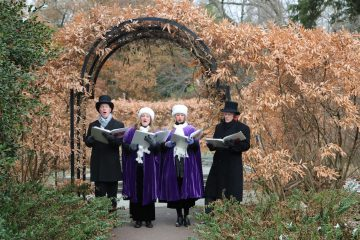 Carolers at Morris Arboretum. (Natavan Werbock/for NewsWorks)
