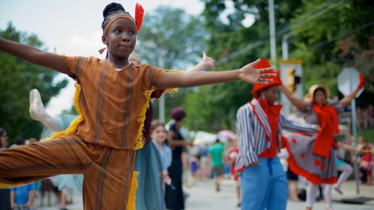 A scene from the 2013 Mt. Airy Village Fair. (Bas Slabbers/for NewsWorks)