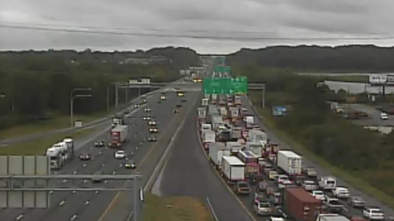 DelDOT's traffic camera shows major delays on southbound I-95 as a result of the crash and fuel spill. (photo courtesy DelDOT)