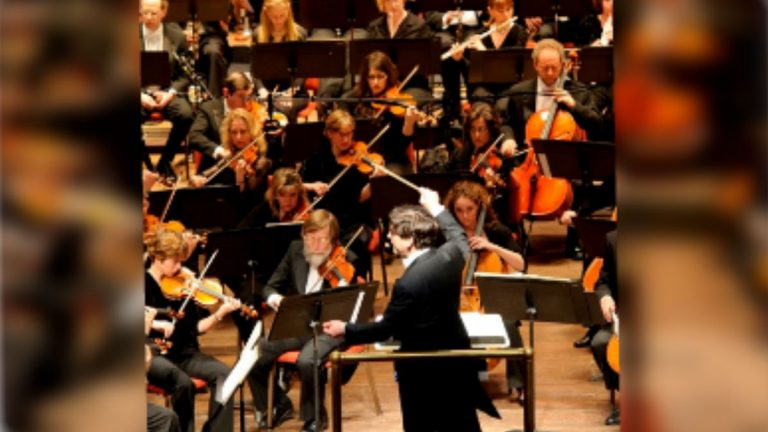 The Delaware Symphony orchestra will perform songs from the cinema tonight in Wilmington. (photo courtesy DSO/Joe del Tufo)
