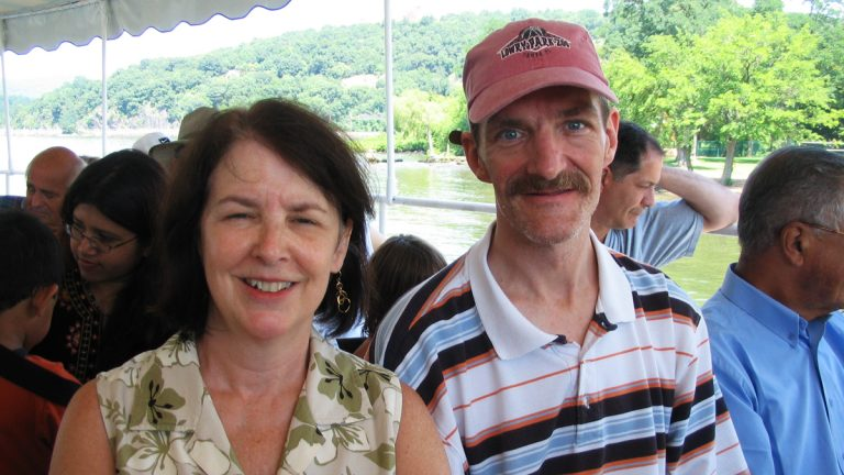 Katherine Flannery Dering and her brother Paul in 2007. (Courtesy of Katherine Flannery Dering)