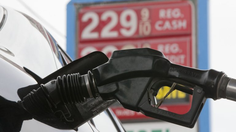 Gas is pumped into a car at the Eastcoast filling station in Pennsauken, New Jersey. (Matt Rourke/AP Photo)