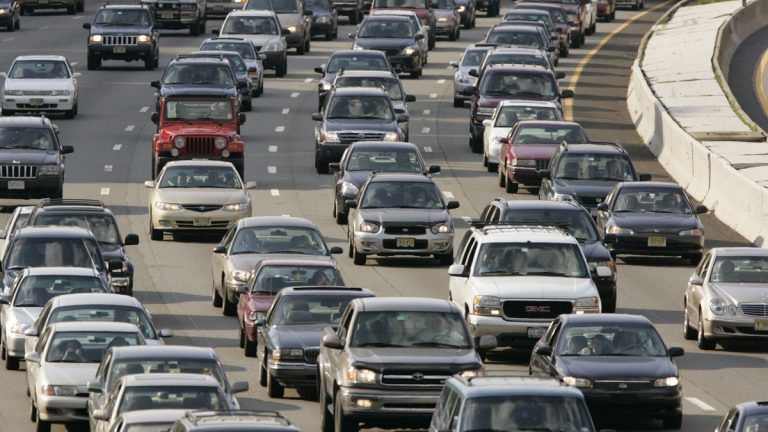 Two New Jersey legislators want a law mandating jail time for motorists who repeatedly drive with a suspended license. (AP file photo)