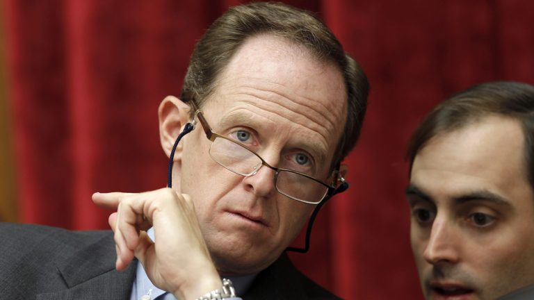 U.S. Sen. Pat Toomey of Pennsylvania has gotten the endorsement of Philadelphia Fire Fighters &  Paramedics Union Local 22. (AP file photo)