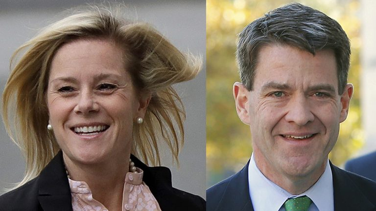 Former aide to Gov. Chris Christie Bridget Anne Kelly and former Port Authority of New York and New Jersey executive Bill Baroni are seeking a new trial following their conviction last week on all charges in the Bridgegate case. (Julio Cortez/AP Photo)