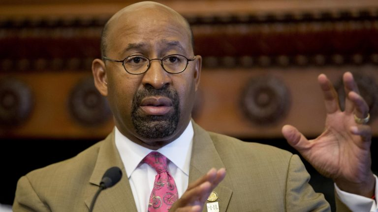 Philadelphia Mayor Michael Nutter discuses  plans for Pope Francis' scheduled visit to the city. (AP photo/Matt Rourke)