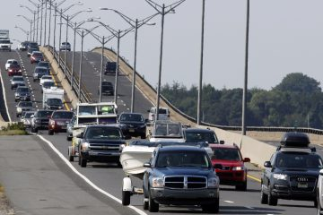 Traffic jams the Garden State Parkway across the Great Egg Harbor Bay Inlet Bridge near Ocean City, N.J.  (AP Photo/Mel Evans)
