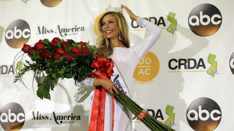 Miss New York Kira Kazantsev poses for photographers during a news conference after she was crowned Miss America 2015 during the Miss America 2015 pageant, Monday, Sept. 15, 2014, in Atlantic City, N.J. (Mel Evans/AP Photo)