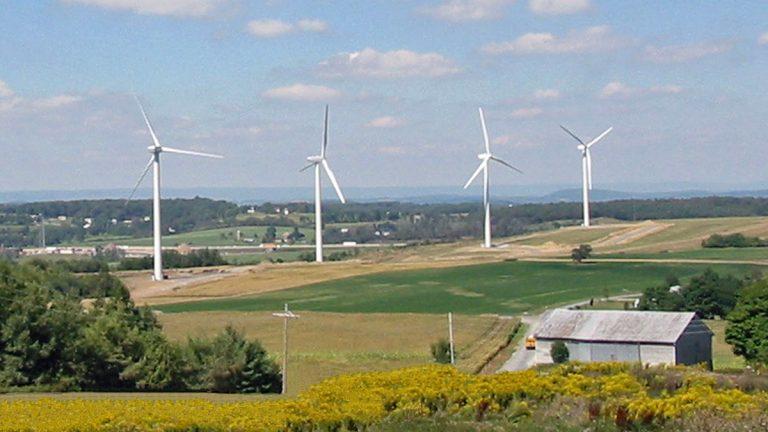 The Exelon-Community Energy Wind Farm at Somerset, Pennsylvania.  (PRNewsFoto/Community Energy)