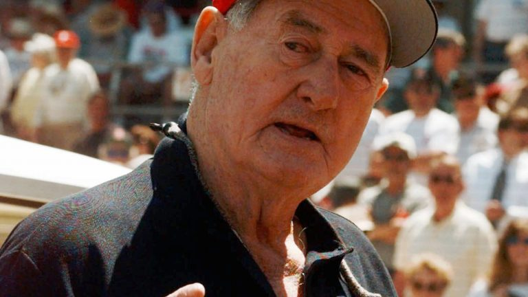 Baseball legend Ted Williams talks about his career just before the start of the Philadelphia Phillies game against the Boston Red Sox Tuesday, March. 24, 1998 in Clearwater, Fla. (Pat Sullivan/AP Photo)
