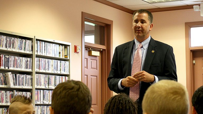 Rep. John Atkins speaking to 3rd grade students when he was still in office in 2010. (photo courtesy DelawareGovernor/Flickr)