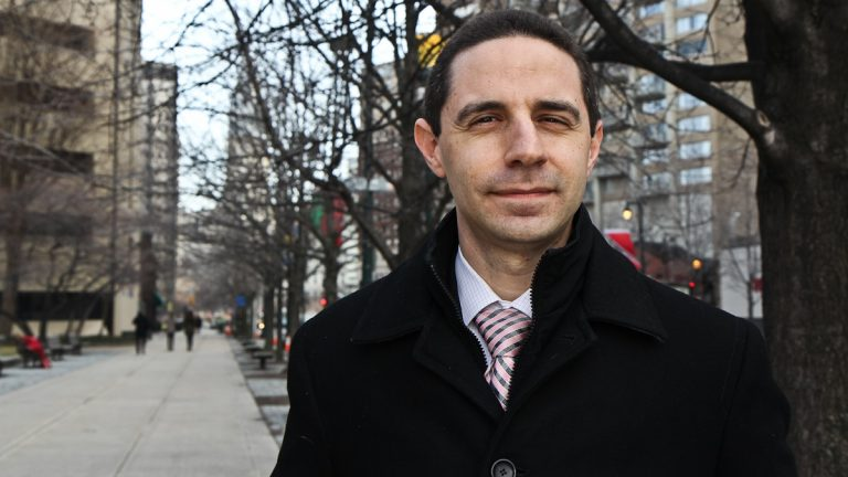 Ben Persofsky is leading the coalition to found a new charter school in Center City. (Kimberly Paynter/WHYY)