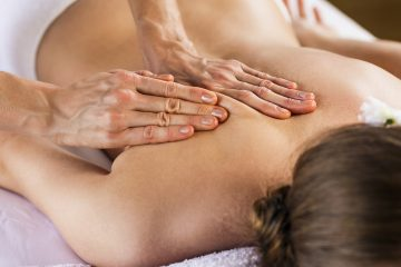 (Kotin/<a href='http://www.bigstockphoto.com/image-112333736/stock-photo-woman-enjoying-massage'>Big Stock Photo</a>)