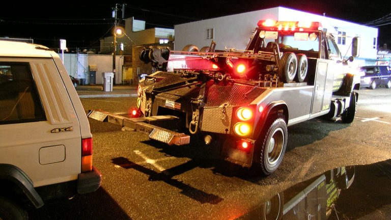 Philadelphia Councilman Bill Greenlee proposes a crackdown on 'wreck chasers' who violate Philadelphia's system of assigning crashes to various towing companies on a rotating basis. (House of Digital/Bigstock)