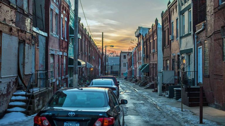 The sun sets over Flora Street in Brewerytown (Ifanyi Bell/for WHYY)