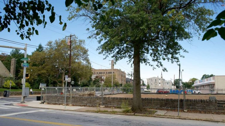 The site of the former Bunting House could soon be a Wendy's fast-food restaurant. (Bas Slabbers/for NewsWorks)