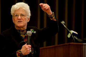 Lynne Abraham speaks at the Presbyterian Church of Chestnut Hill on Thursday. (Bas Slabbers/for NewsWorks)