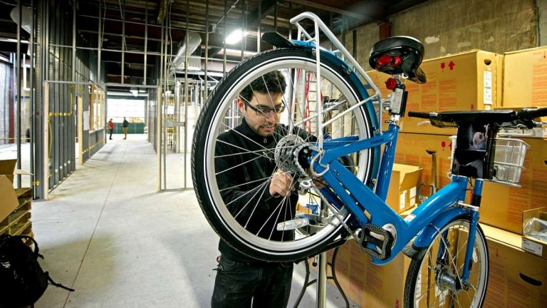Avid cyclist and head mechanic Jake Siemiarowski. (Bastiaan Slabbers/for NewsWorks)