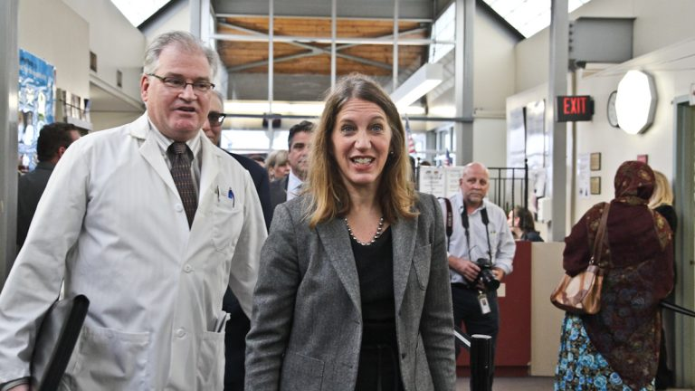 U.S. Secretary of Health and Human Services Sylvia  Burwell tours Health Center 10 Friday morning. (Kimberly Paynter/WHYY)