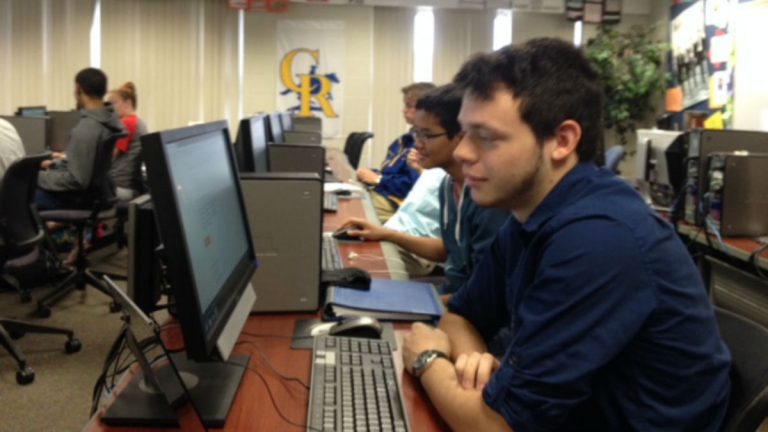 Caesar Rodney senior Ryann Perez takes his AP Computer Science course online. (Avi Wolfman-Arent, NewsWorks)