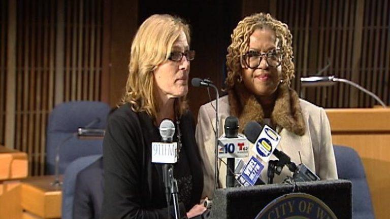 DHSS Sec. Rita Landgraf and Wilmington Council President Hanifa Shabazz release CDC Community Advisory Council Report.