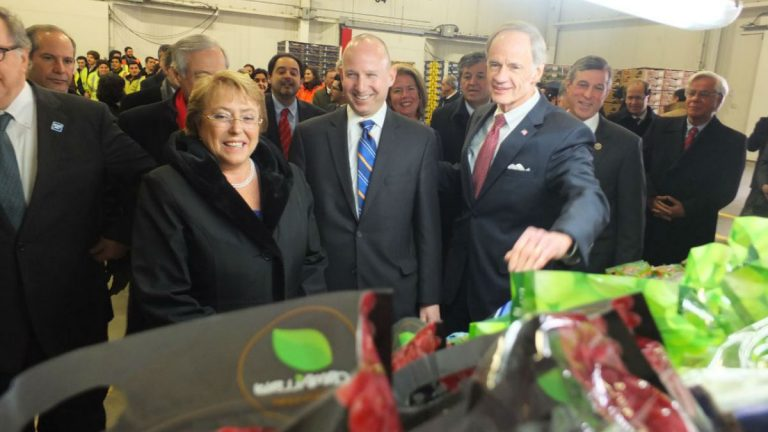 Governor Markell and Sen. Tom Carper visit with Chilean President Michelle Bachelet at the Port of Wilmington in 2015. (photo courtesy DelawareGovernor/Flickr)