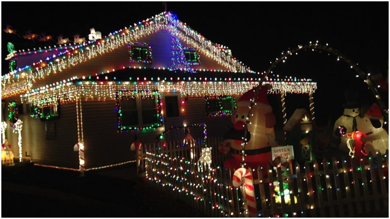 For ... - Wilmington Christmas Light House, A Holiday Tradition In Delaware