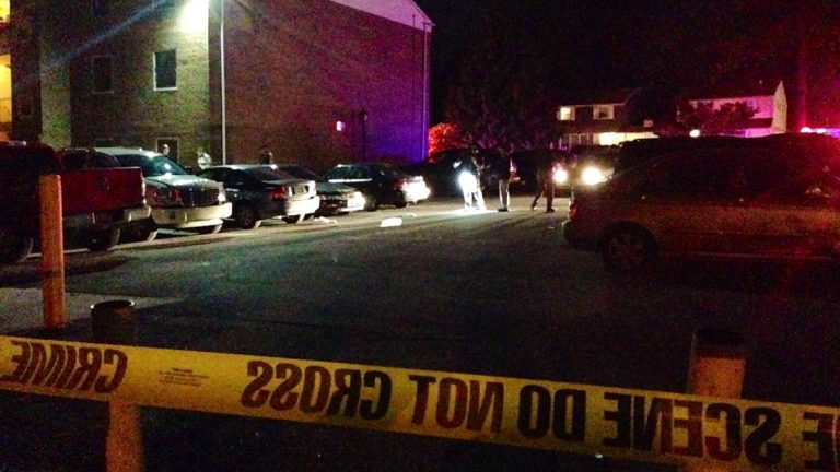 Police looking for evidence after a shooting at the Fieldcrest Apartments in Claymont. (John Jankowski/for NewsWorks)