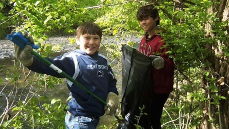 A 2012 clean-up in the Wissahickon. (Courtesy of Friends of the Wissahickon)