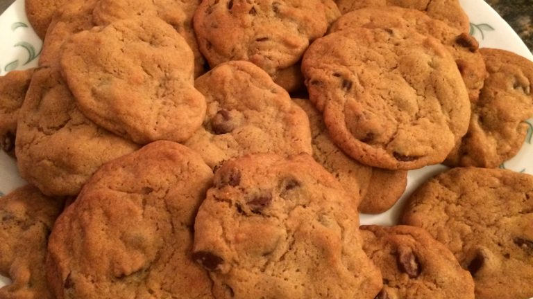 LaVeta's storm preparation didn't include salt or shovels. It included the ingredients for these cookies. (Solomon Jones/ for NewsWorks)