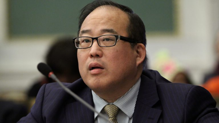 Councilman David Oh says the Office of Information Technology is blocking important emails to his city account. (Emma Lee/WHYY)