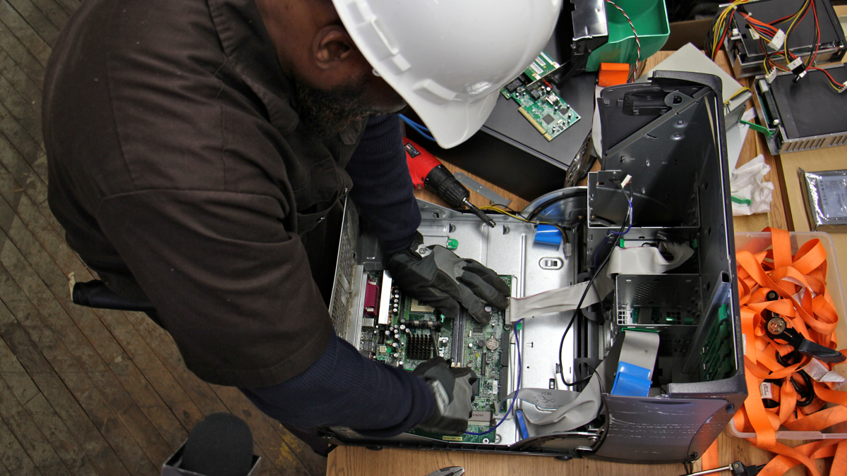 Germantown Nonprofit Offers Ex Offenders Temporary Jobs Recycling How To Find Scrap Gold In Electronics Whyy
