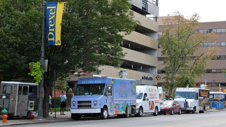 A City Council proposal meant to limit Drexel food trucks is being reconsidered. (Emma Lee/WHYY)
