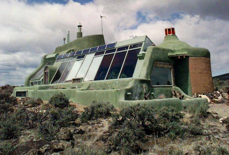 An earthship in the desert landscape of Taos, New Mexico.  (AP file image)
