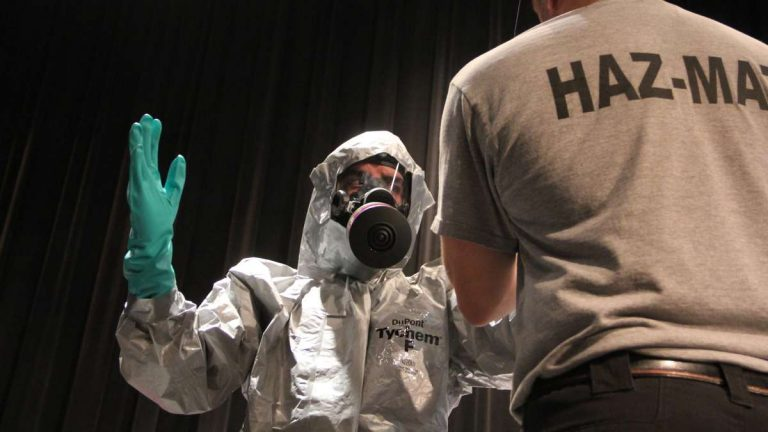 New Jersey first responders train for potential contact with ebola patients. (Emma Lee/ WHYY)